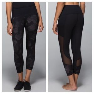 Lululemon Seek the Heat crop Inky Floral